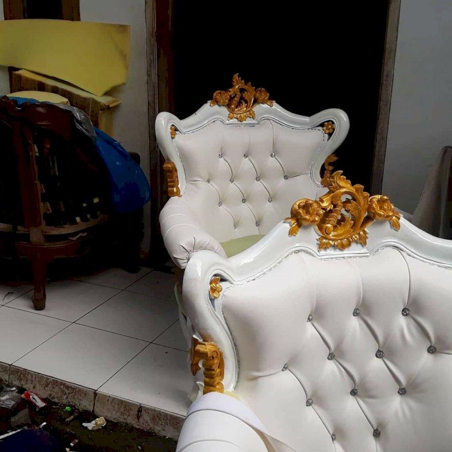 service kursi di Bandung